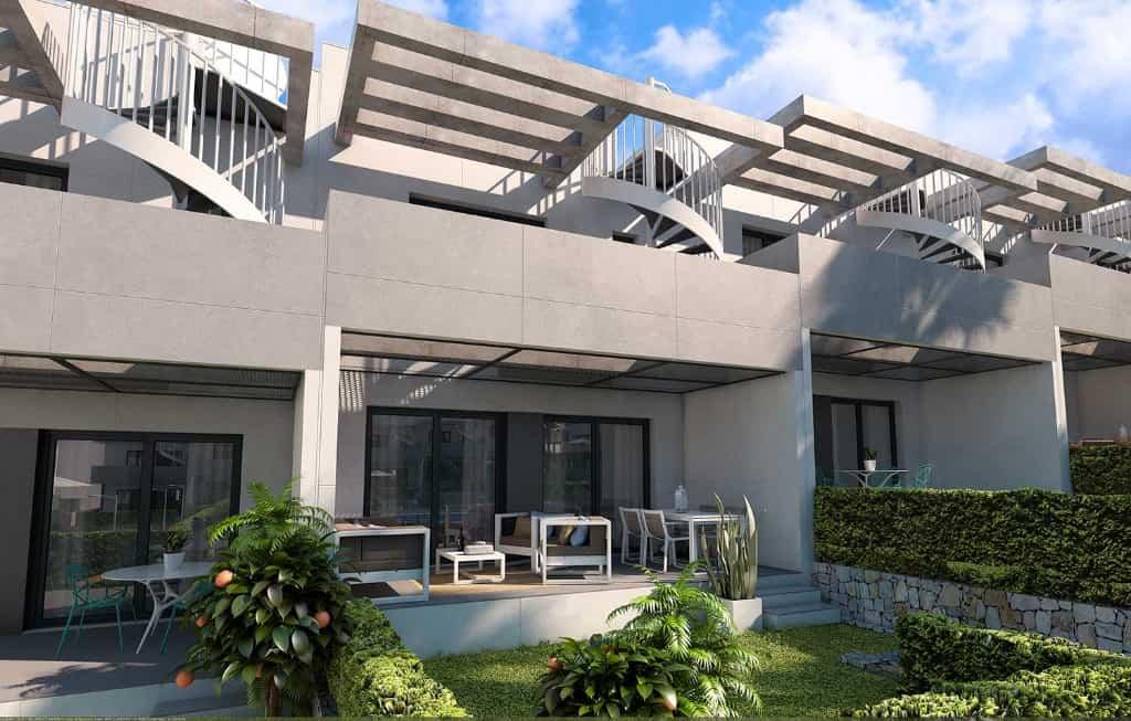 Maison au golf Alenda, vue sur la terrasse