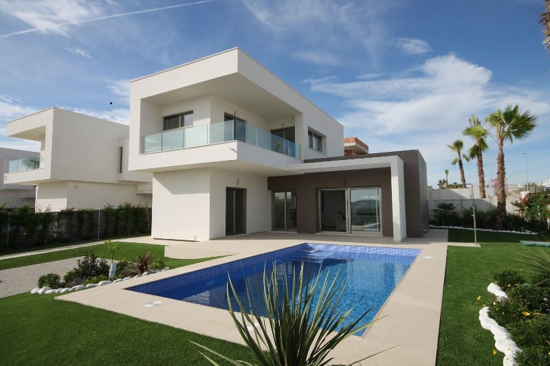 Villa for sale in Vistabella Golf, pool view