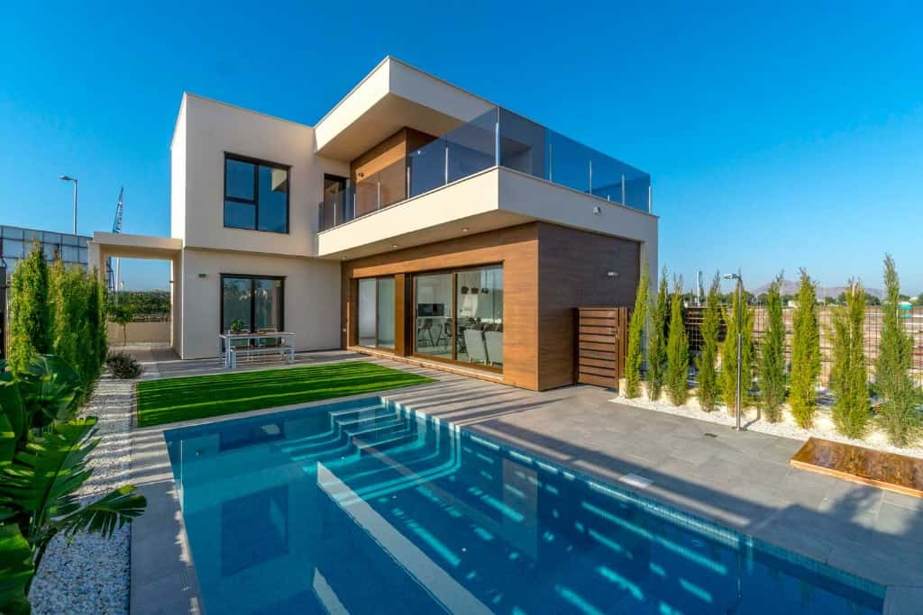 Investment villa golf in Spain
